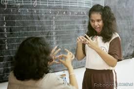 Tuntutan Strategi Cara Mengajar Pada Anak Tunarungu